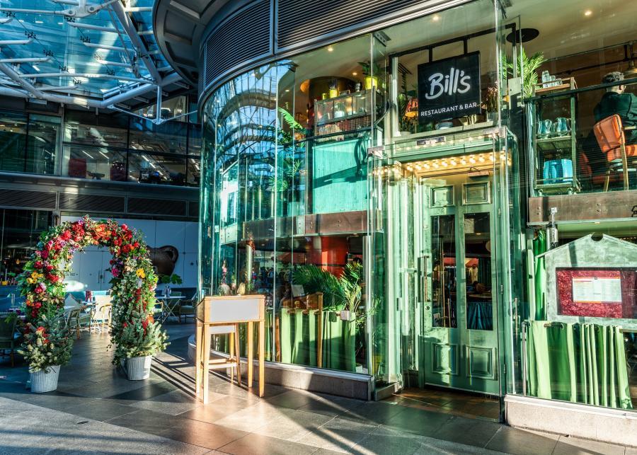 Bills-Restaurant-Victoria-Exterior2